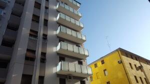 parapetti-alluminio-facciata